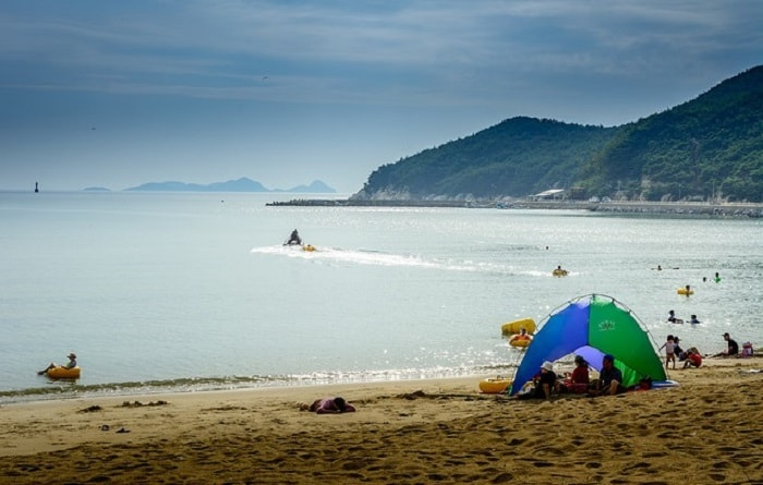 Vẻ đẹp thơ mộng ở đảo Deokjeokdo